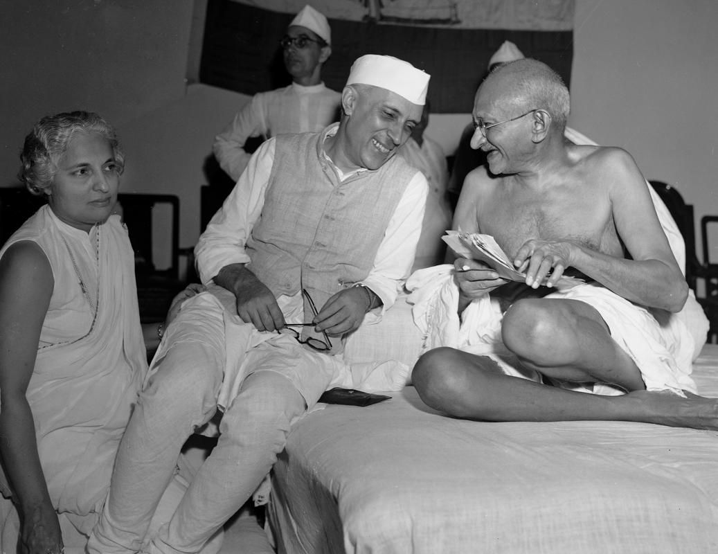Remembering Mahatma Gandhi Mahatma Gandhi Photos Gandhi