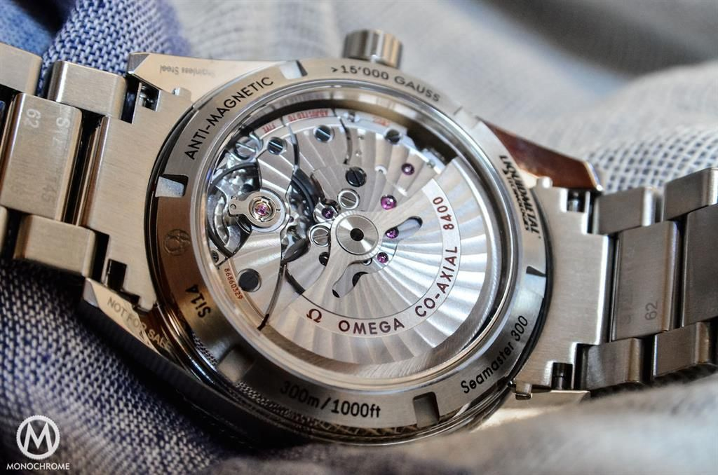 Bộ chuyển động đồng trục Co-Axial nằm trong đồng hồ Omega