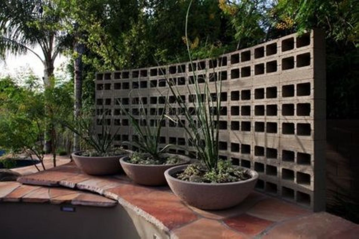 41 Beautiful Cinder Block Ideas for Outside Landscaping ... on Backyard Cinder Block Wall Ideas id=95933