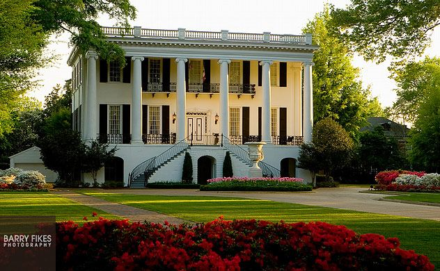 University Of Alabama President S Mansion On University Blvd Tuscaloosa Alabama Where I Had Maternity Photos Taken My Dream Home Mansions Dream House