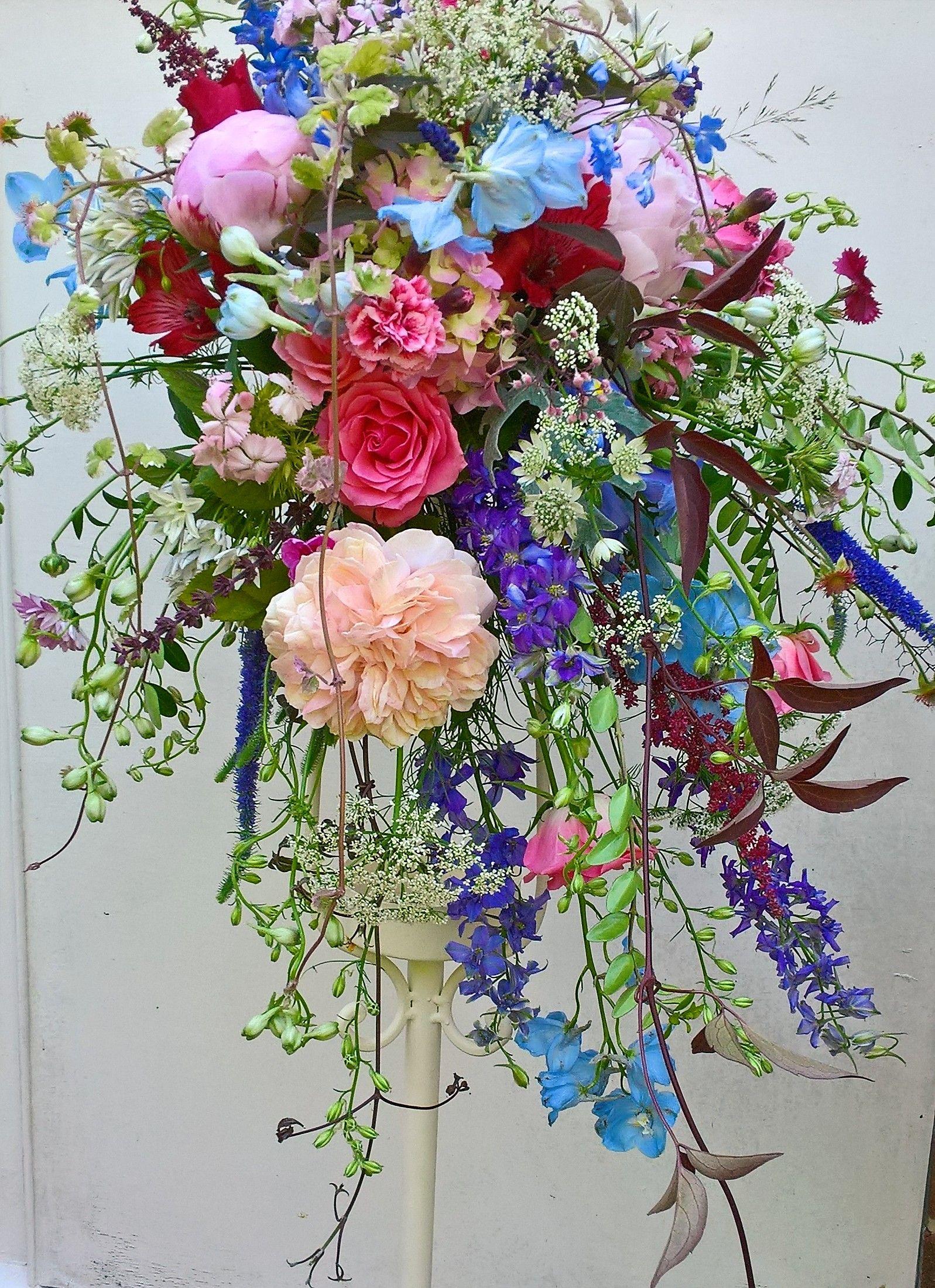 Choose Your Wedding Flower Style Wedding Flowers Event Flowers Bridal Bouquet
