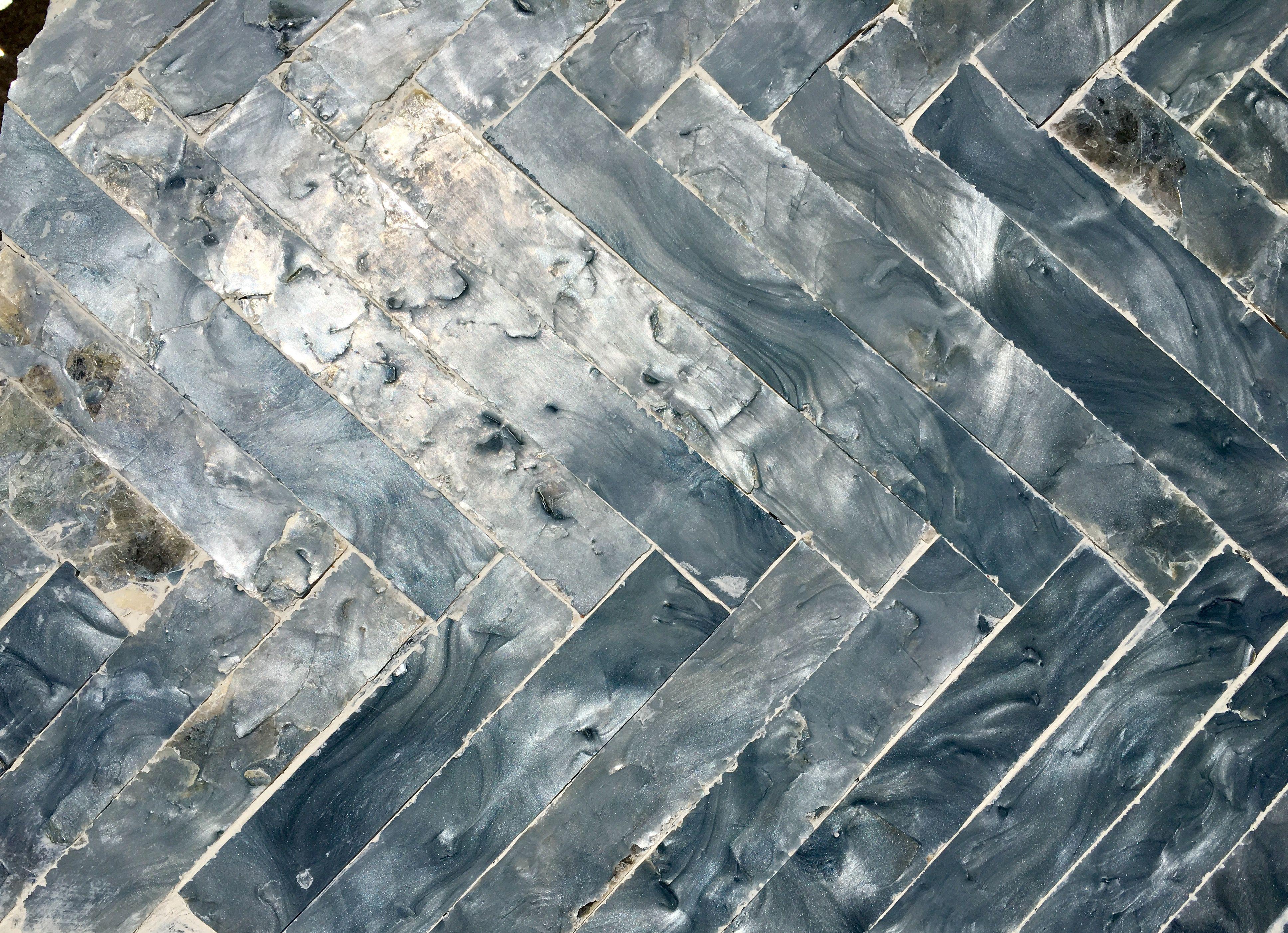 Mica rock paper herring bone