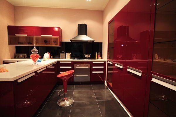 Best Burgundy Kitchens That You Will Love Black White Kitchen 400 x 300