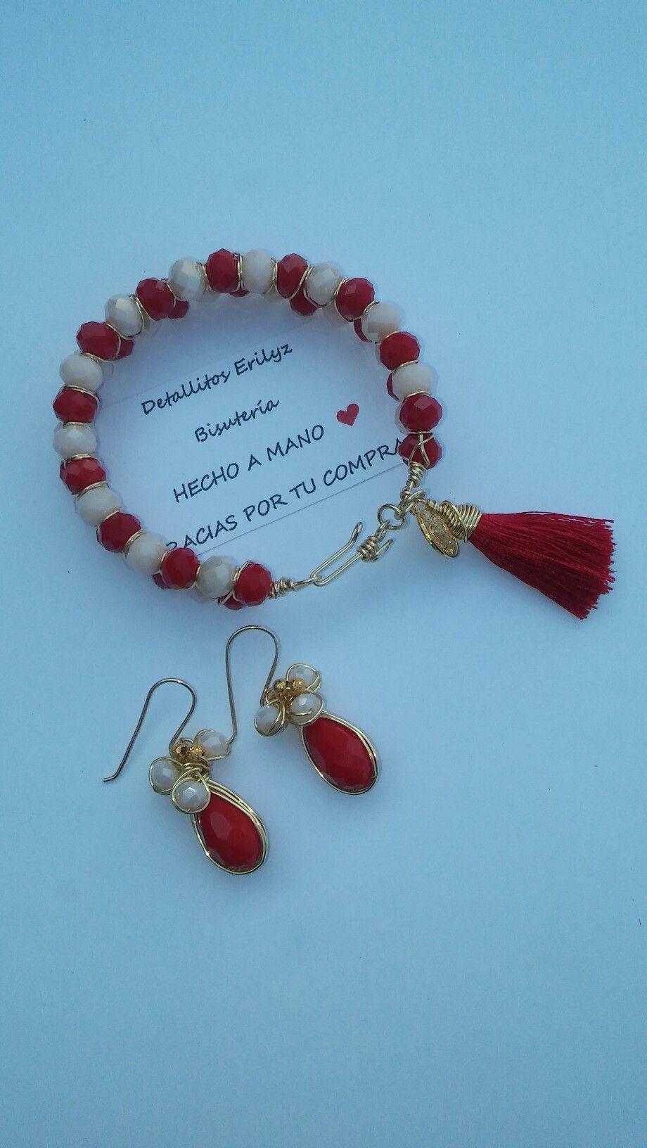 5e84388cb690 Pulsera color rojo con borla de hilo de seda medalla de San Benito   alambrismo