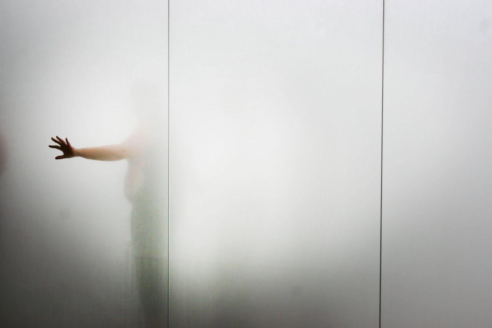「Antony Gormley Blind Light」的圖片搜尋結果