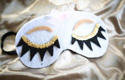 Dreamy diy sleep mask pinterest easy felt crafts felting and craft dreamy diy sleep mask pamper yourself with this easy felt craft solutioingenieria Gallery