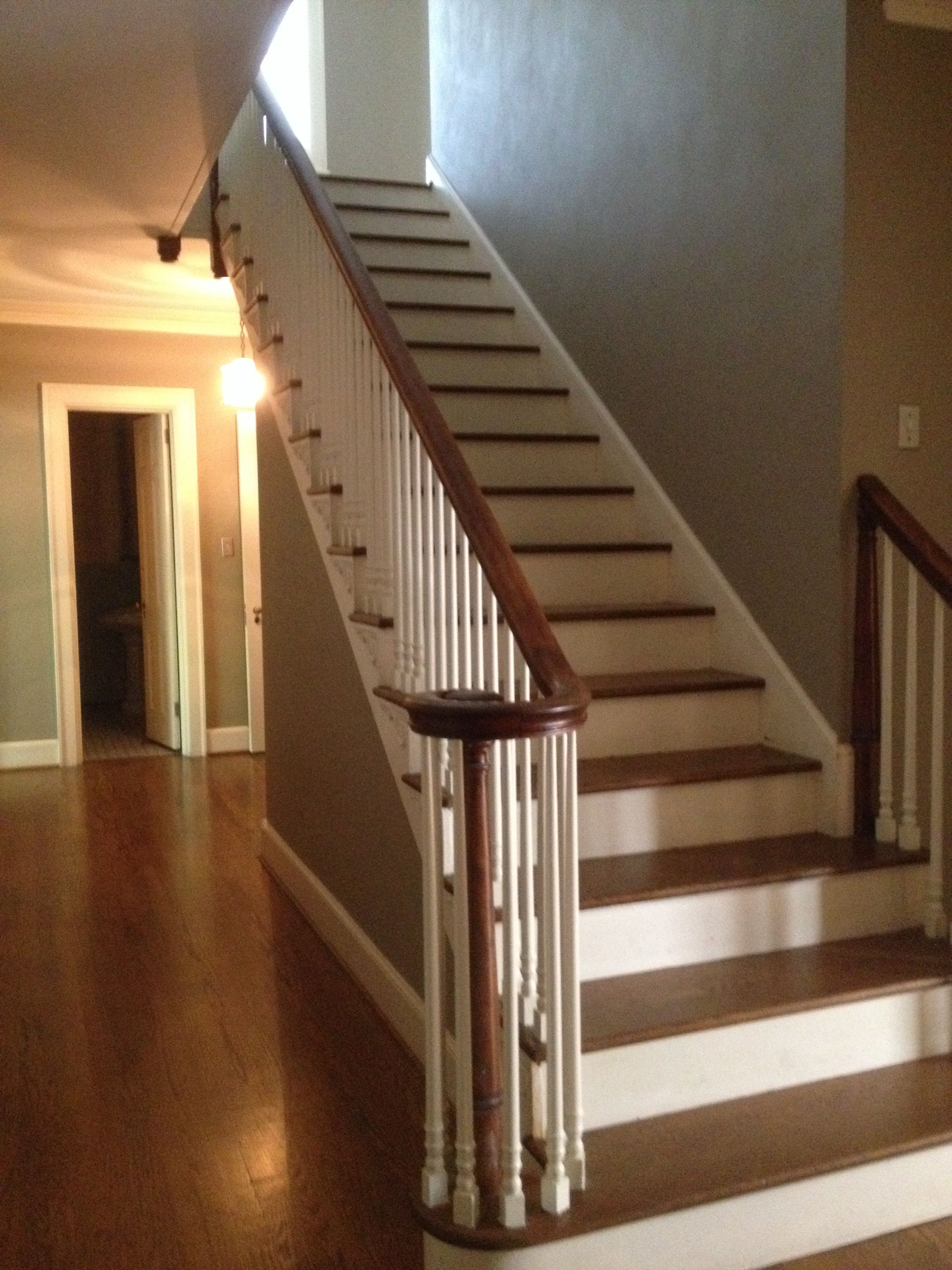 Colonial Revival 1940s Staircase 503 Circle Drive