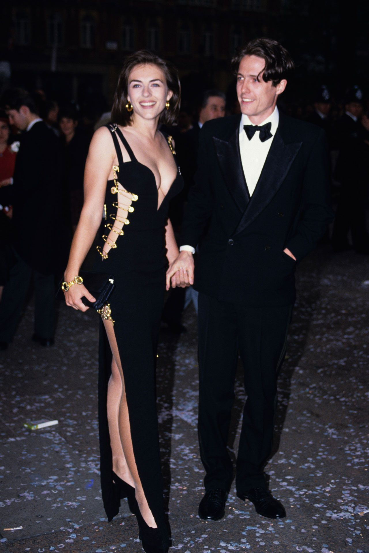 Liz Hurley Wearing That Dress By Versace 1994 Iconic Dresses Elizabeth Hurley Red Carpet Dresses Best