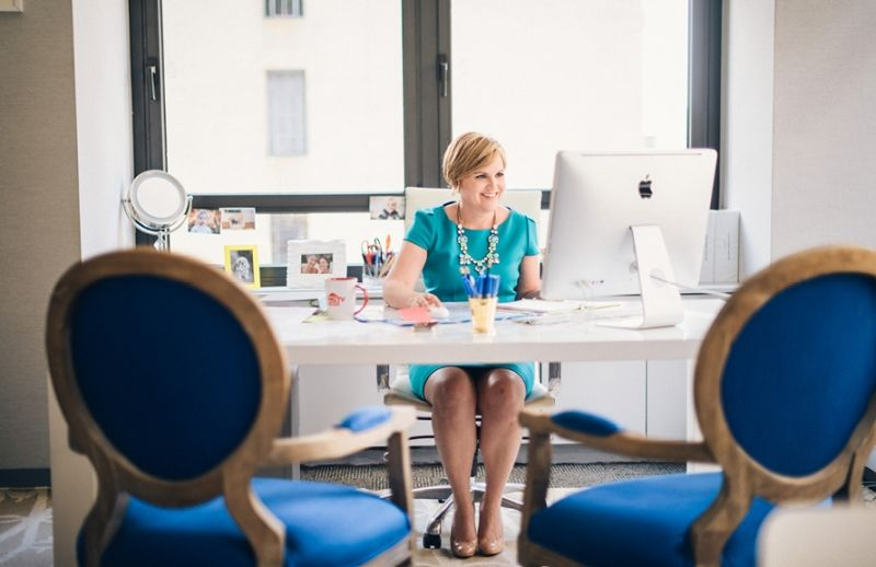 HGTV Magazine Editor in Chief Sara Peterson theeverygirl – Magazine Editor Job Description