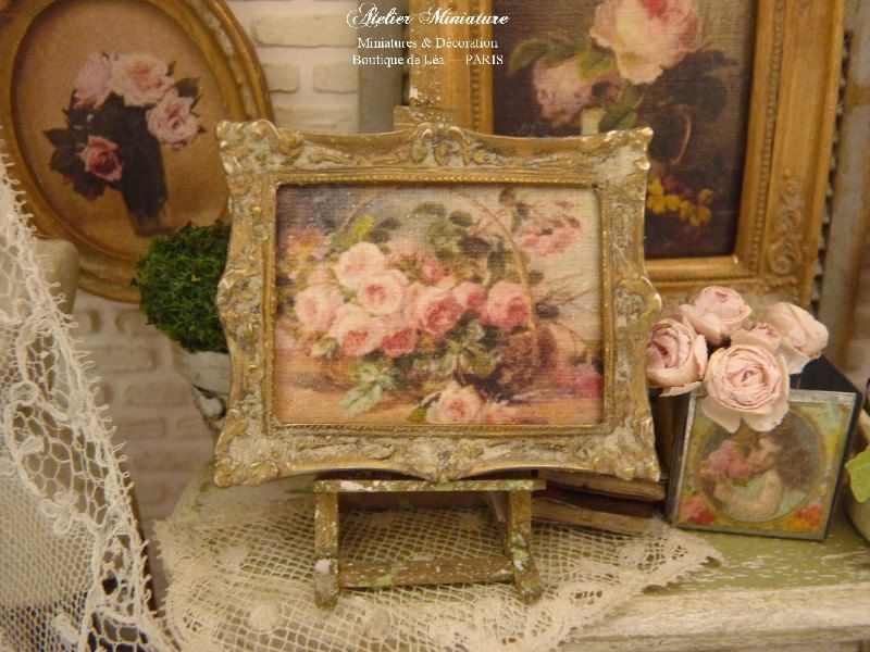 Miniature frame in metal Distressed gold Basket