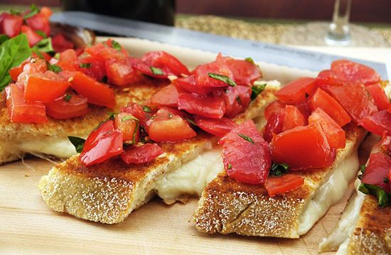 Put a spin on a classic appetizer by adding fresh summer tomatoes to this grilled cheese recipe. Did we mention it only takes 20 minutes to make?