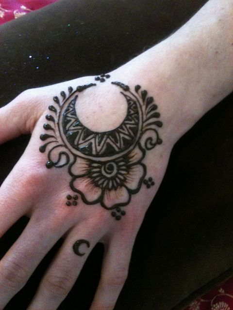 The moon henna design
