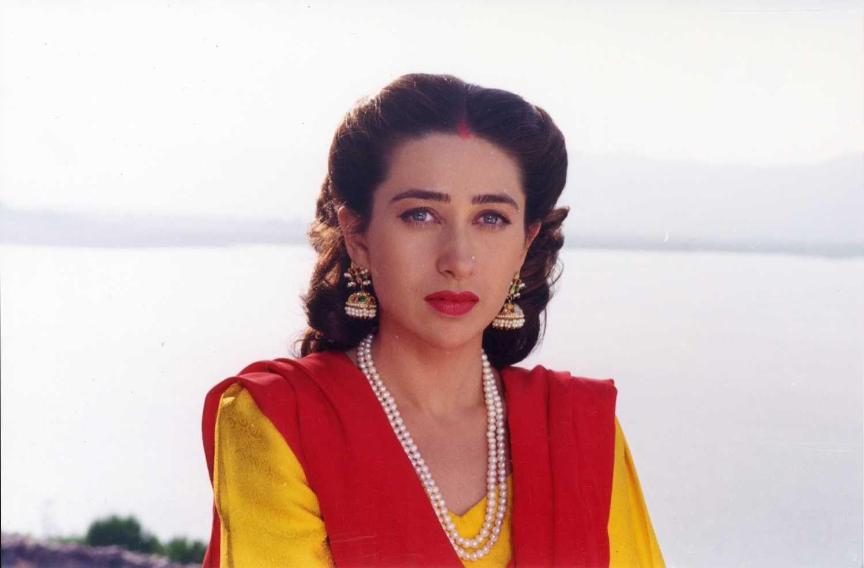 Pin on Karisma Kapoor ji