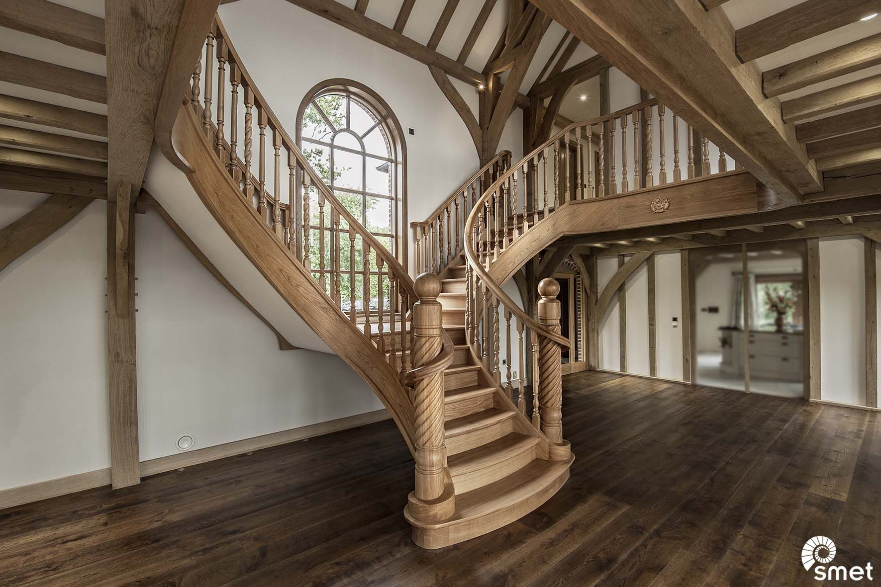 Best True Craftmanship On This Solid French Oak Butterfly Shaped Staircase It Has Bespoke Barley 400 x 300