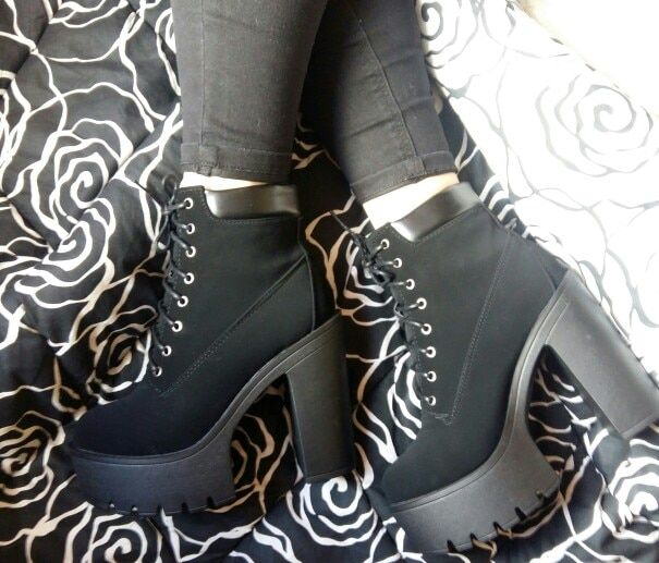 116b6e4b7d5 Gdgydh Fashion Spring Autumn Platform Ankle Boots Women Lace Up Thick -  chicmaxonline