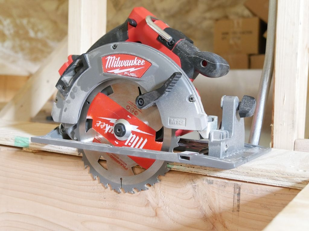 Woodworking Circular Saw Milwaukee 2732 Circular Saw Review Milwaukee Redesigned Their Classic 7 1 4 Circular In 2020 With Images Circular Saw Reviews Best Table Saw Table Saw