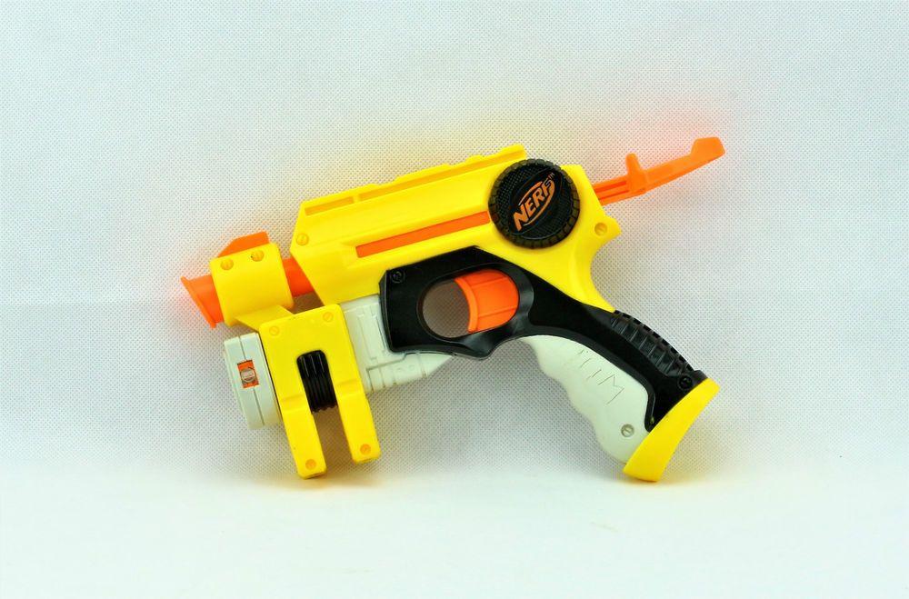 NERF N-STRIKE DART TAG NITE FINDER FOAM DART HAND GUN WITH RED LIGHT BEAM VGC