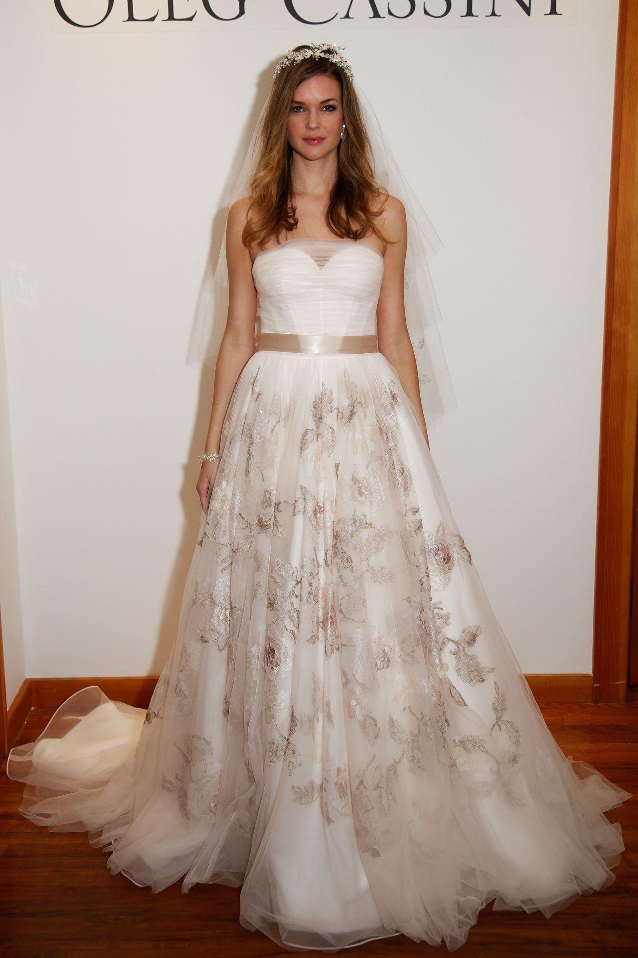 Vera wang designer wedding dresses  Wedding Dresses  The Ultimate Gallery BridesMagazine  Uk
