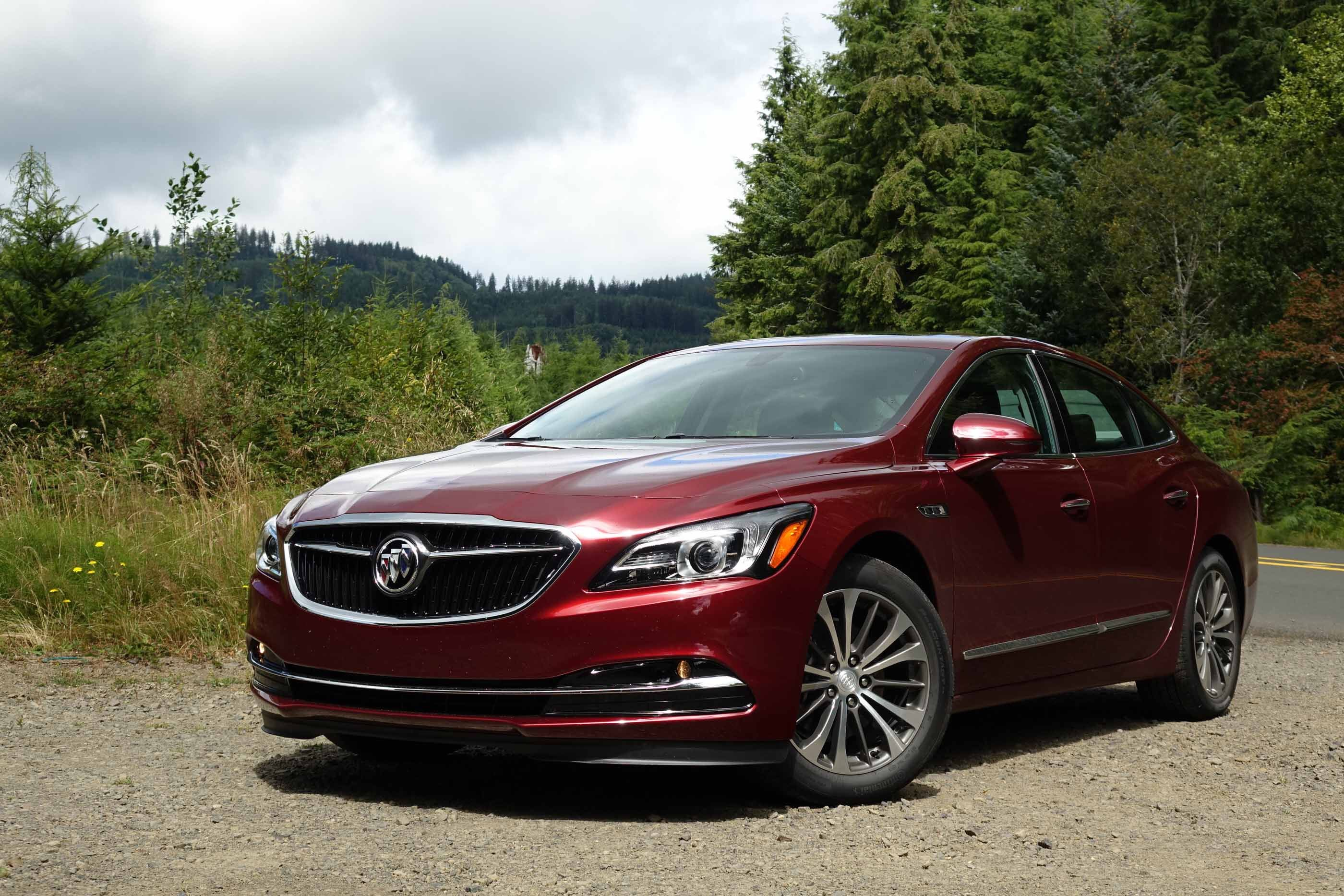 Buick Lacrosse Very Nice And Luxurious Car Buick Lacrosse Buick Lesabre Buick