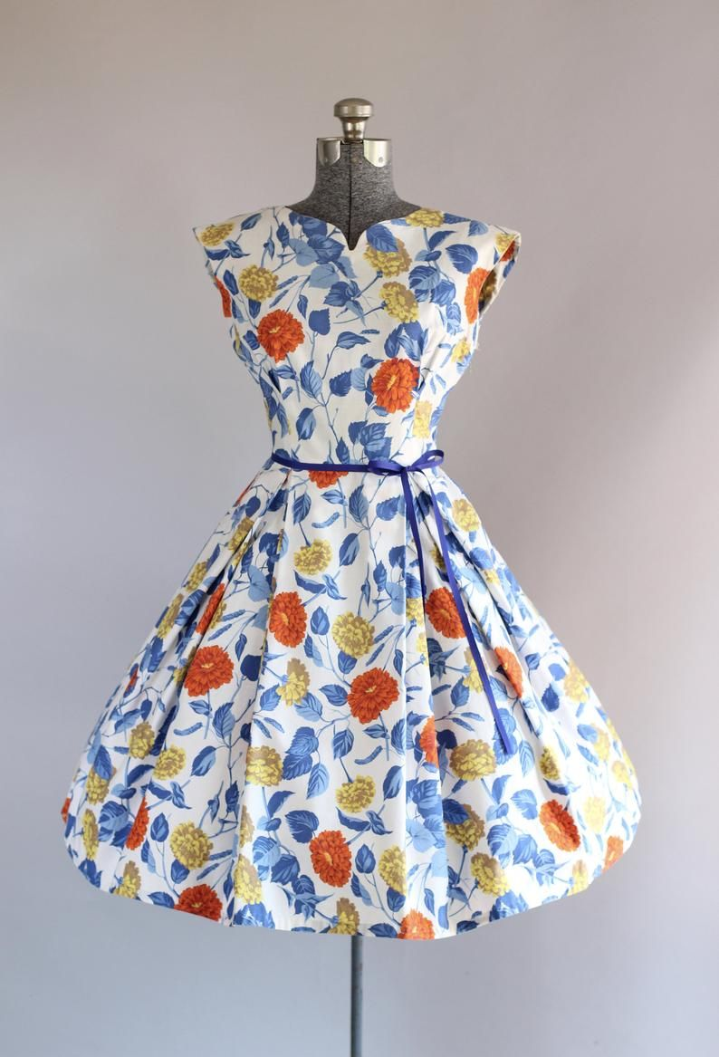 Vintage 1950s Dress 50s Cotton Dress Red Blue And Yellow Floral Dress W Ribbon Waist Tie S Yellow Floral Dress Vintage 1950s Dresses Vintage Dresses 50s [ 1167 x 794 Pixel ]