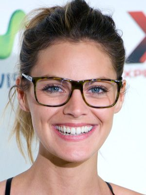 f2a9212d0b9 Where to Buy Eye Glasses Online - New Websites for Prescription Glasses -  Cosmopolitan. Image result for ray ban eyeglasses tortoise girl ...