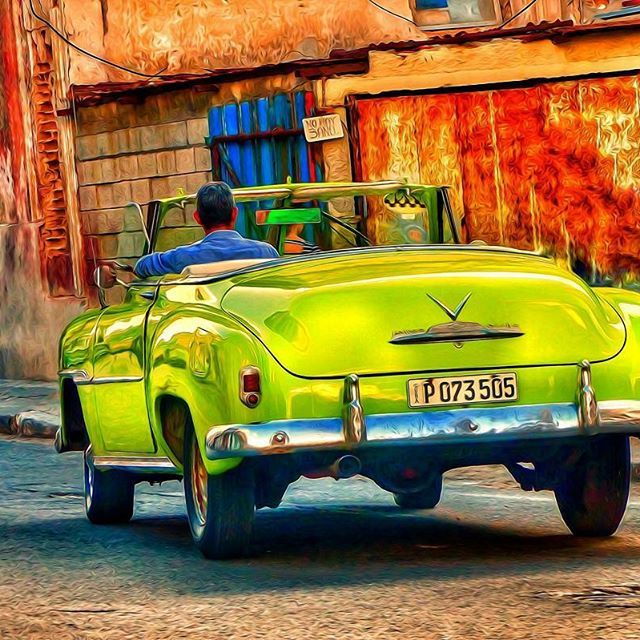 If you love #classic #car then #cuba is great for #classiccarspotting #photoart #havanacuba #photographicart #vintage 🚗🚗🚗