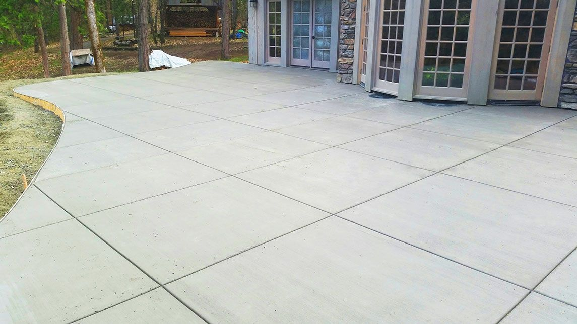 Concrete Patio Squarepatterncuts Grey Broomed Finish Brownbearmasonry (