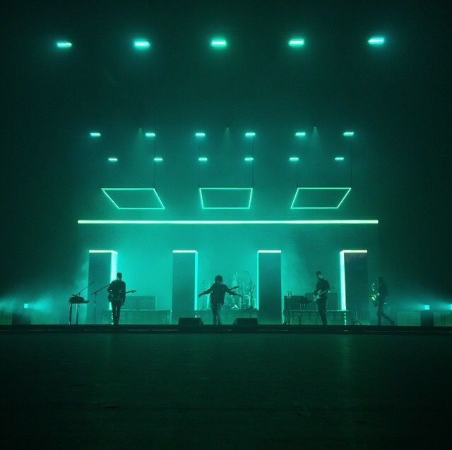 Pin By Code Bass On Lighting Looks Stage Lighting Design Concert Stage Design Stage Set Design