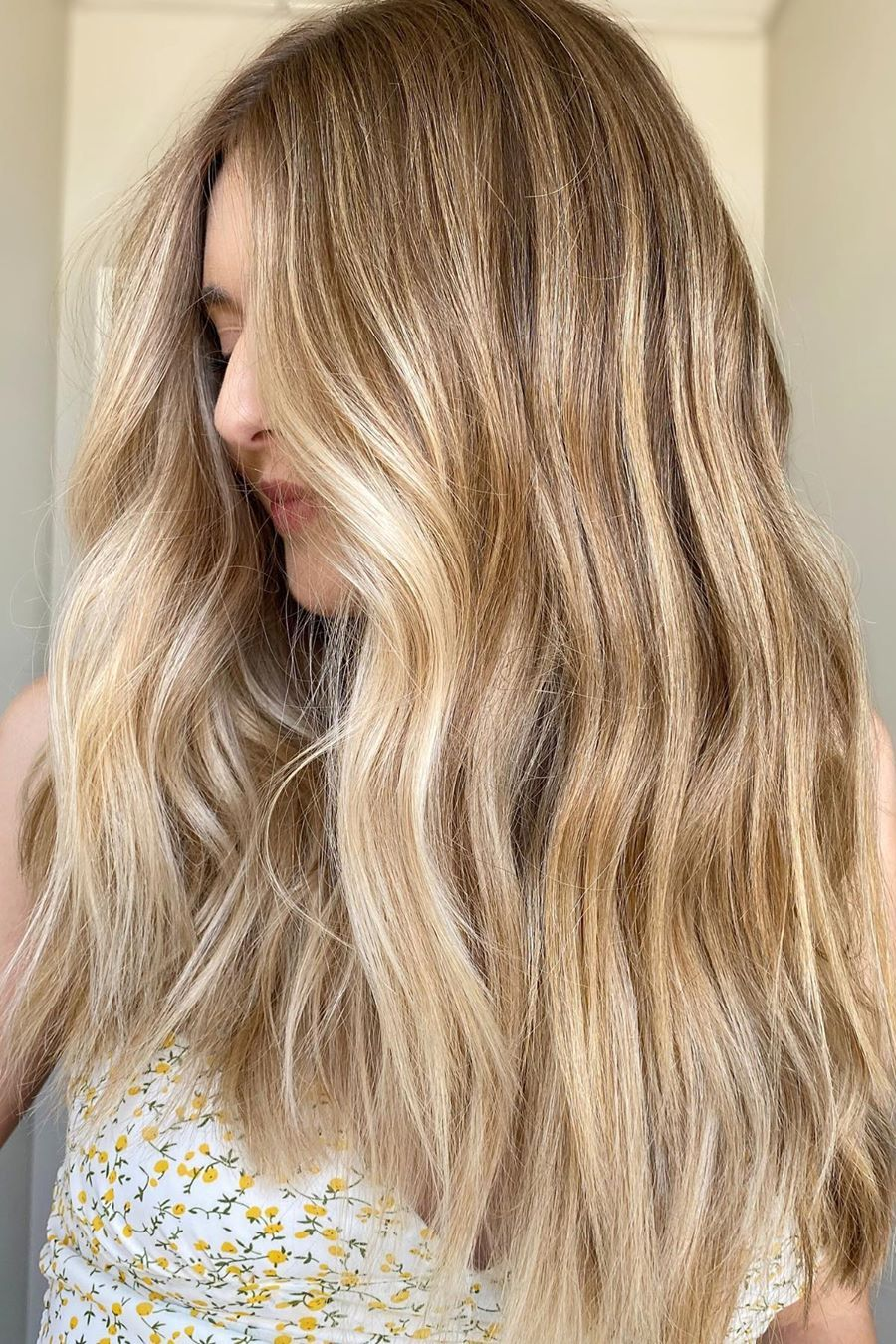 21 Ways To Change Your Hair With Beauty Hairstyles Hairstylefun Com In 2020 Hair Styles Medium Hair Styles Hair Beauty