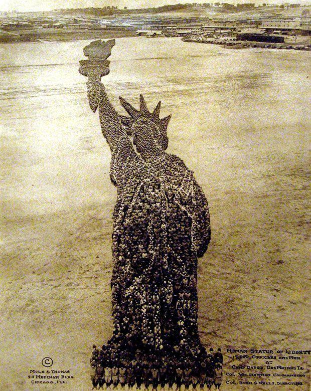 Des symboles Américains recréés avec des Hommes au début