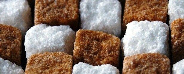 Ondertussen weet je natuurlijk wel dat we hier op Voedzo veel praten over suikervrij eten voor een gezonder leven. Ik bedoel dan vrij van geraffineerde sui