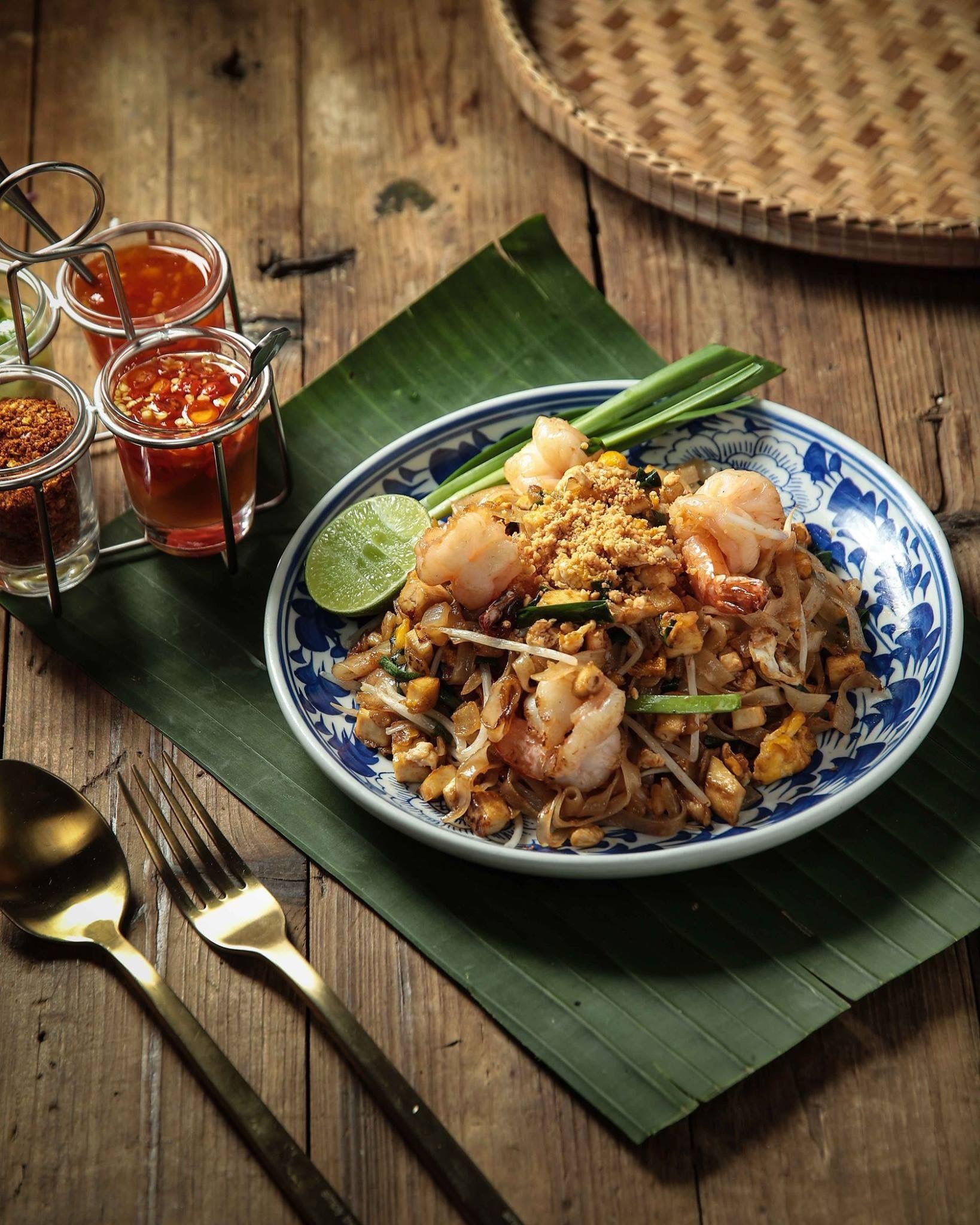 อาหารไทยพ นบ านยอดน ยม ผ ดไทย C K Fooddesign Studio Bangkok อาหาร ภาพ อาหาร ถ ายอาหาร