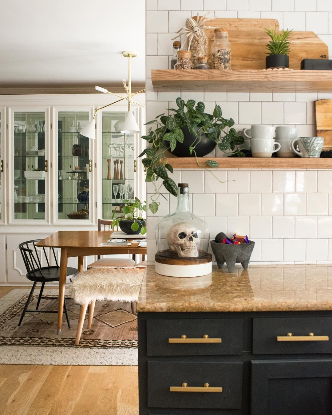 2 214 Mentions J Aime 111 Commentaires Ashley Biggerthanthethreeofus Sur Instagram Here S Kitchen Cabinets Decor Cabinet Decor Halloween Kitchen Decor