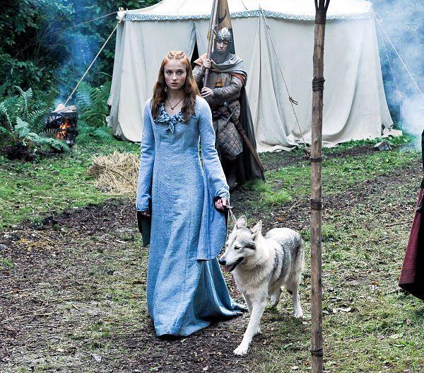 """A Lady And Her Dire Wolf: Ideas Para Una Boda Inspirada En La Serie """"Juego De Tronos"""