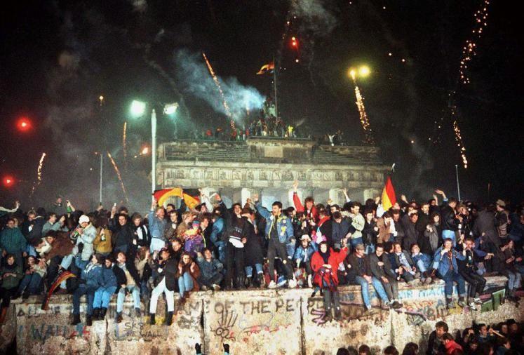 25 Jahre Mauerfall Mit Bildern Fall Der Berliner Mauer Feierlichkeiten Berlin