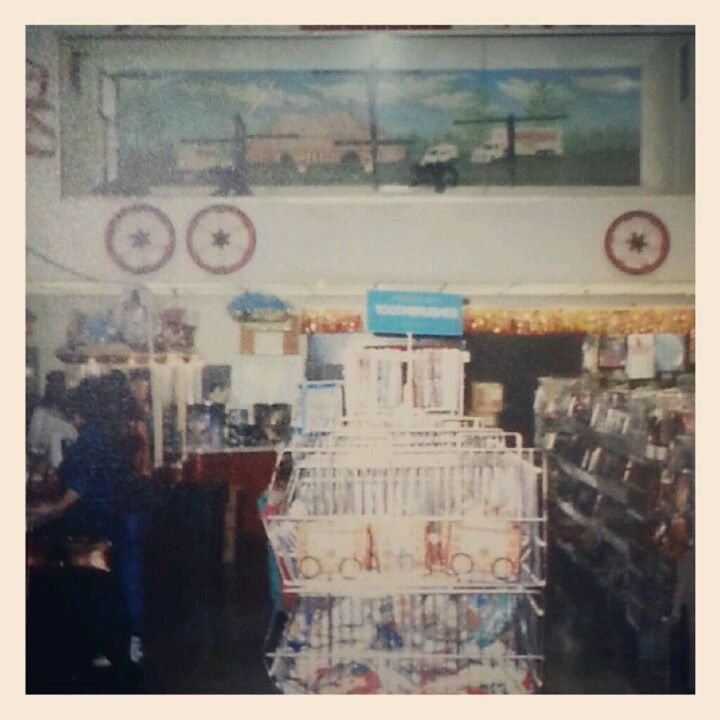 Dutch Square Mall >> The Monkeys At Cromers Peanuts At Dutch Square Mall In