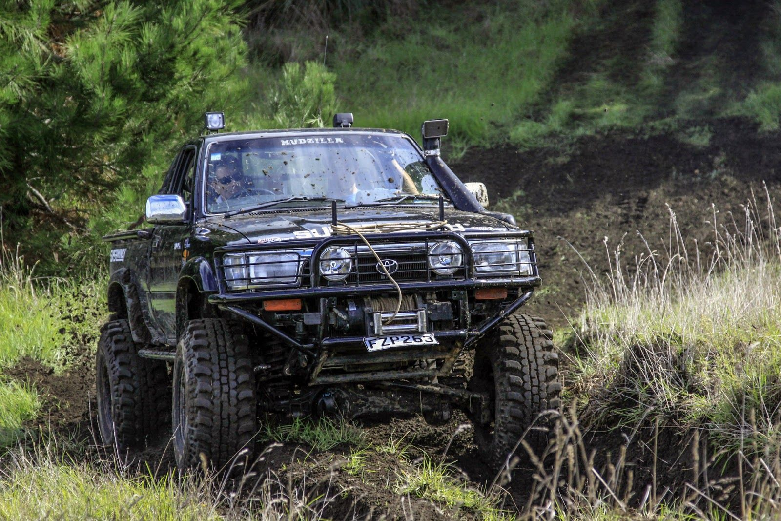 hilux 4x4 off road toyota hilux 4x4 1992 pinterest 4x4 and toyota. Black Bedroom Furniture Sets. Home Design Ideas