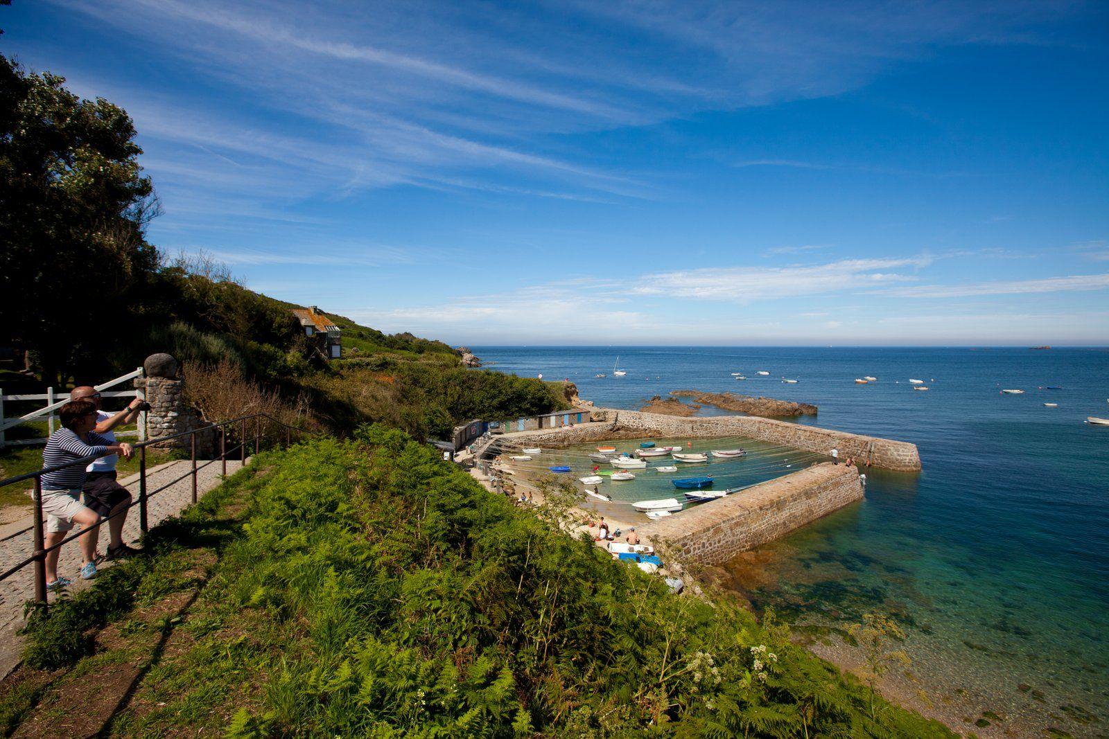 Port racine oth baptiste almodovar paysages de la hague pinterest - Office de tourisme manche ...