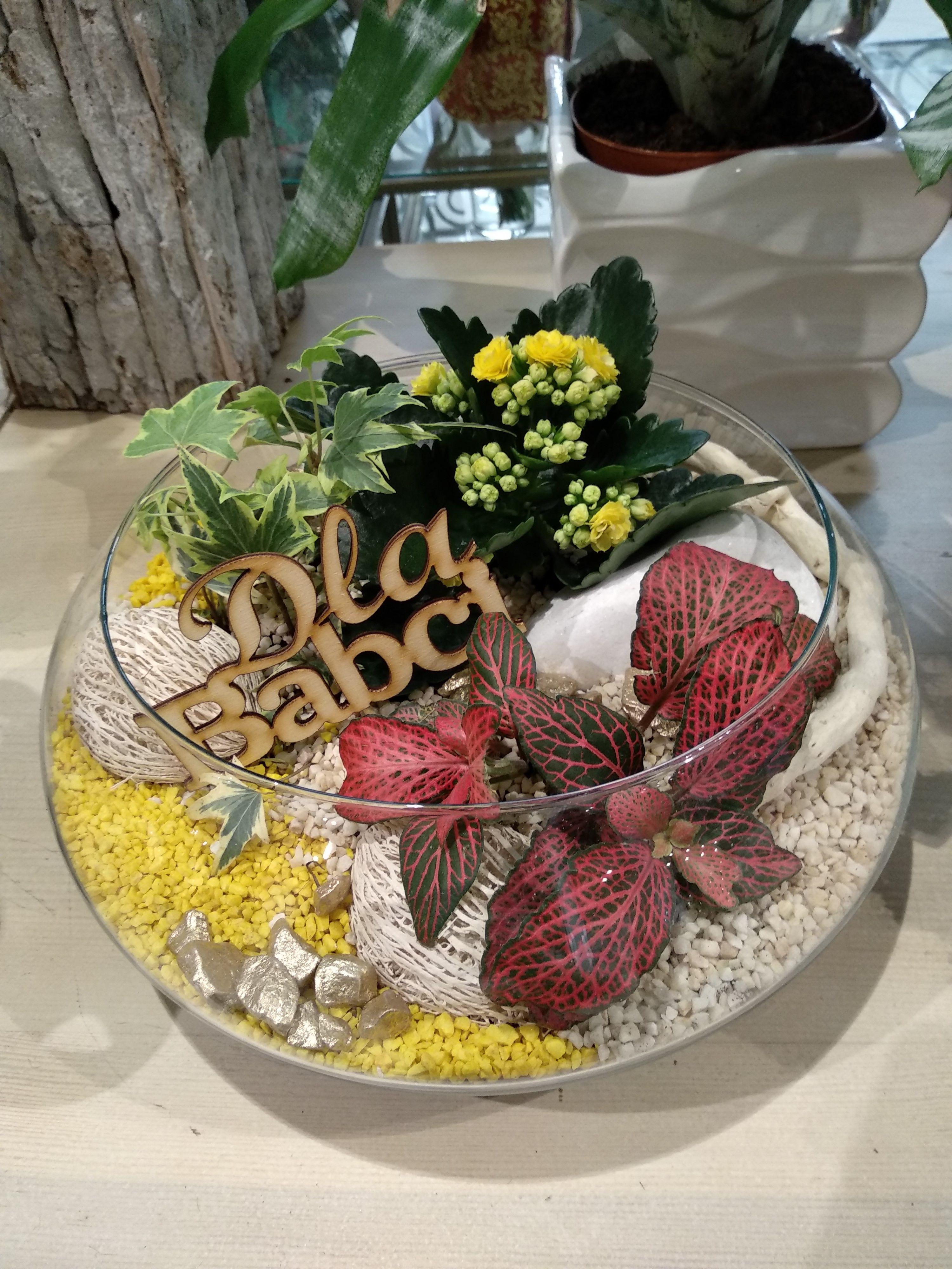 Mini Ogrodek Dla Babci Table Decorations Decor Flowers