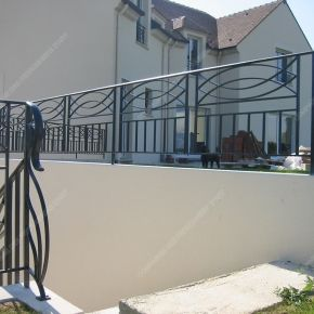 balcons en fer forg style moderne mod le anneaux. Black Bedroom Furniture Sets. Home Design Ideas