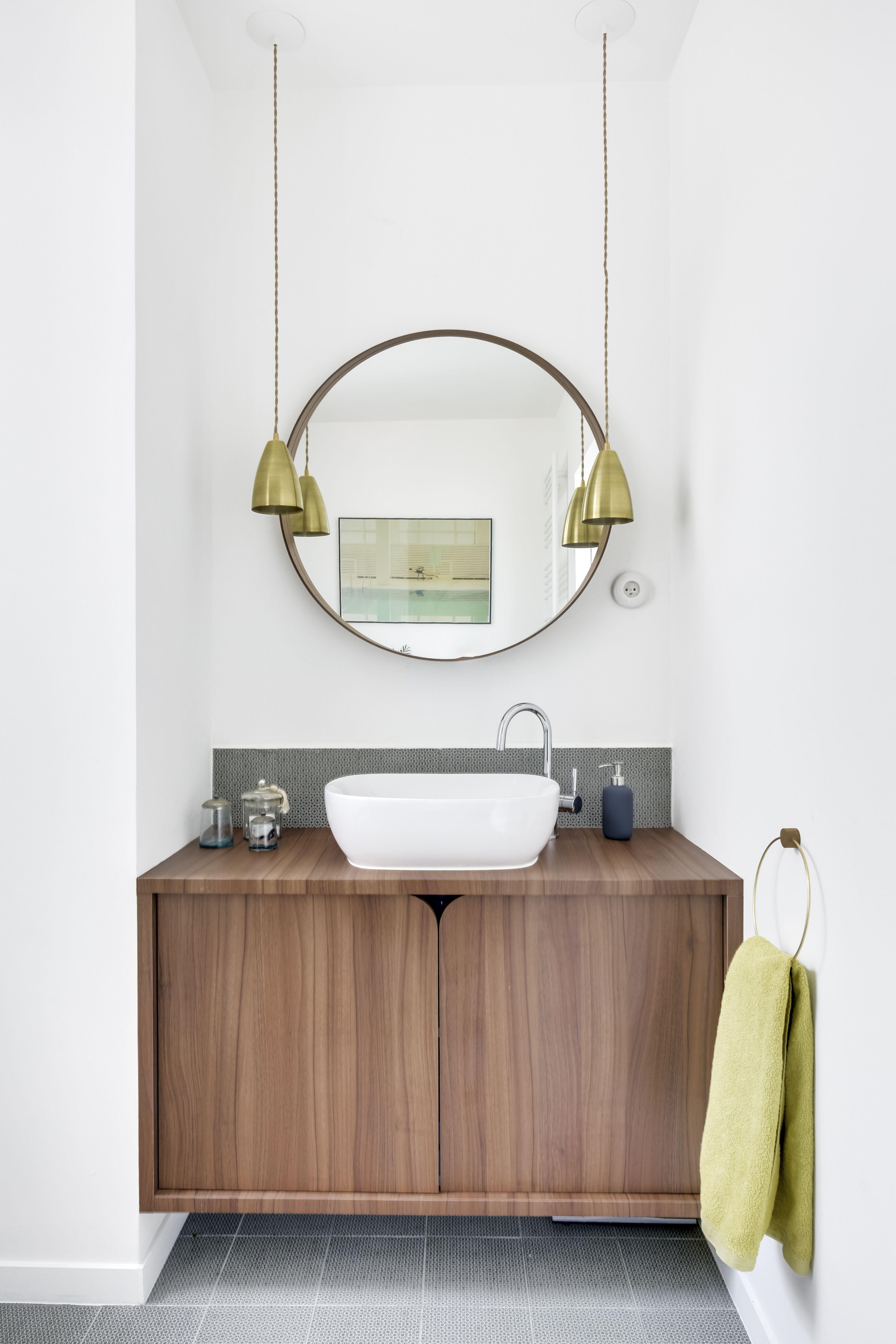 salle de bain des parents, meuble sur-mesure en noyer stratifié