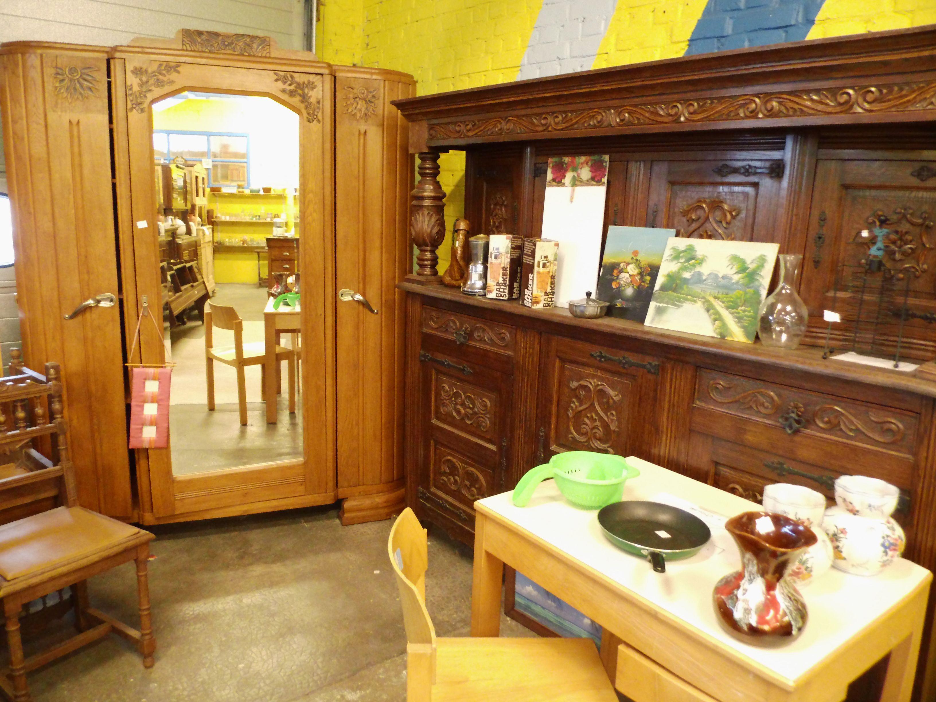 Le magasin de la ressourcerie air tout pour la maison lhabillement