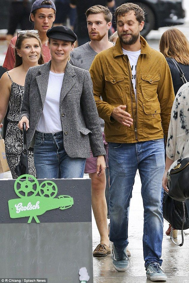 Diane Kruger Shops With Joshua Jackson In Nyc Diane Kruger Jackson Shopping