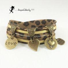 Bracelet liberty et cuir suédé double tour léopard  et doré coeurs  *** petite taille ***