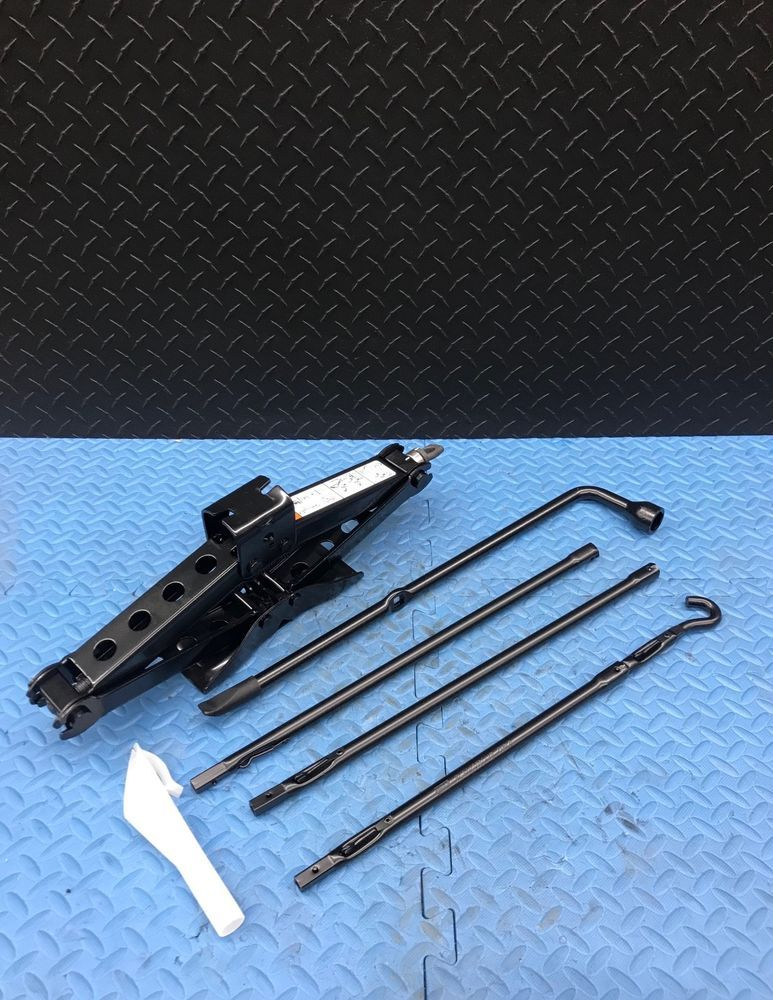 Ford F150 F 150 Truck Spare Tire Scissor Jack Tool Lug Wrench Kit