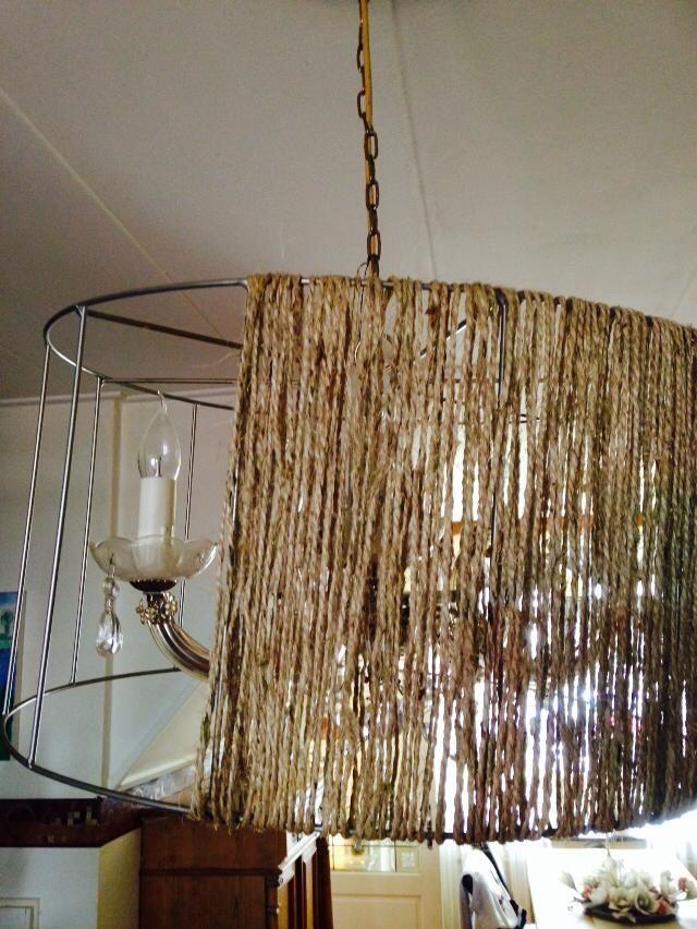 Leuk Van Een Oude Lampenkap Diy Chandelier Diy Lamp Diy Lamp Shade