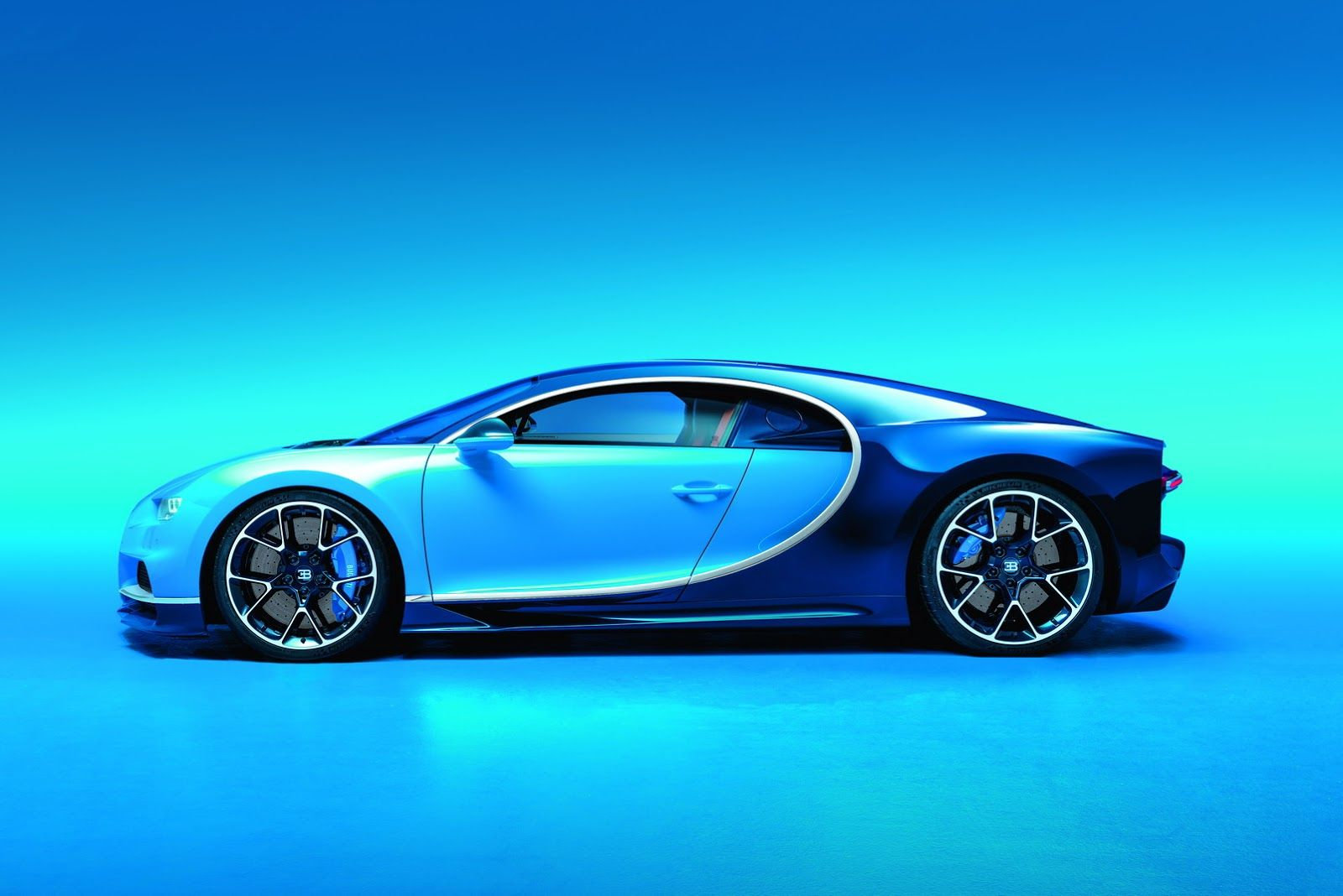 Bugatti Chiron Is Official 1 500 Horsepower 260 Mph 2 6 Million 95 Pics Carscoops Bugatti Chiron Bugatti Sports Car