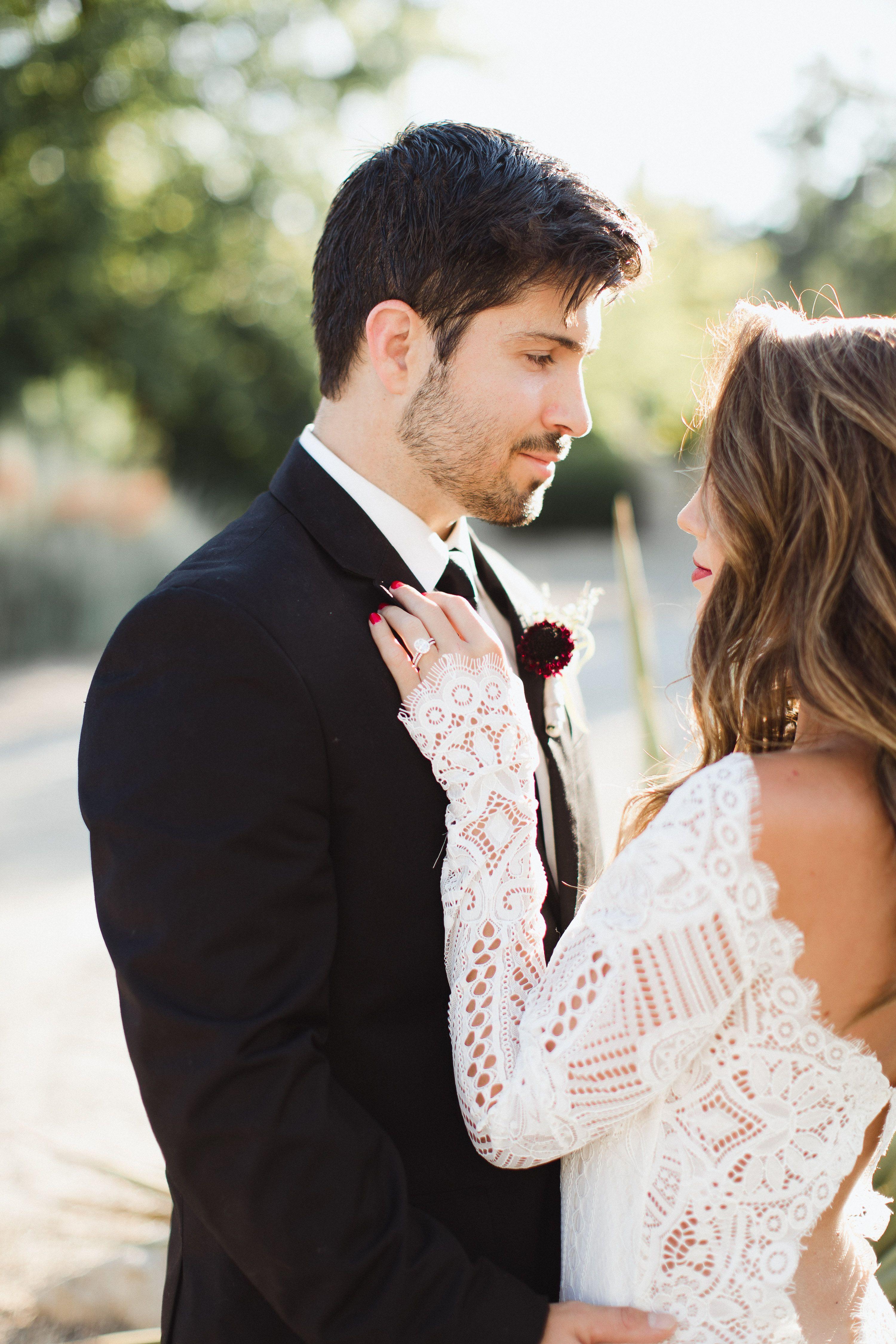 Bride u groom wedding inspiration at boise botanical gardens idaho