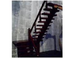 Resultado de imagem para escadas de madeira residencial
