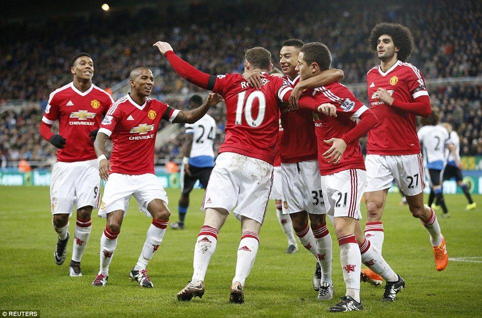 Manchester United Teammates Celebrate Wayne Rooney The Globe